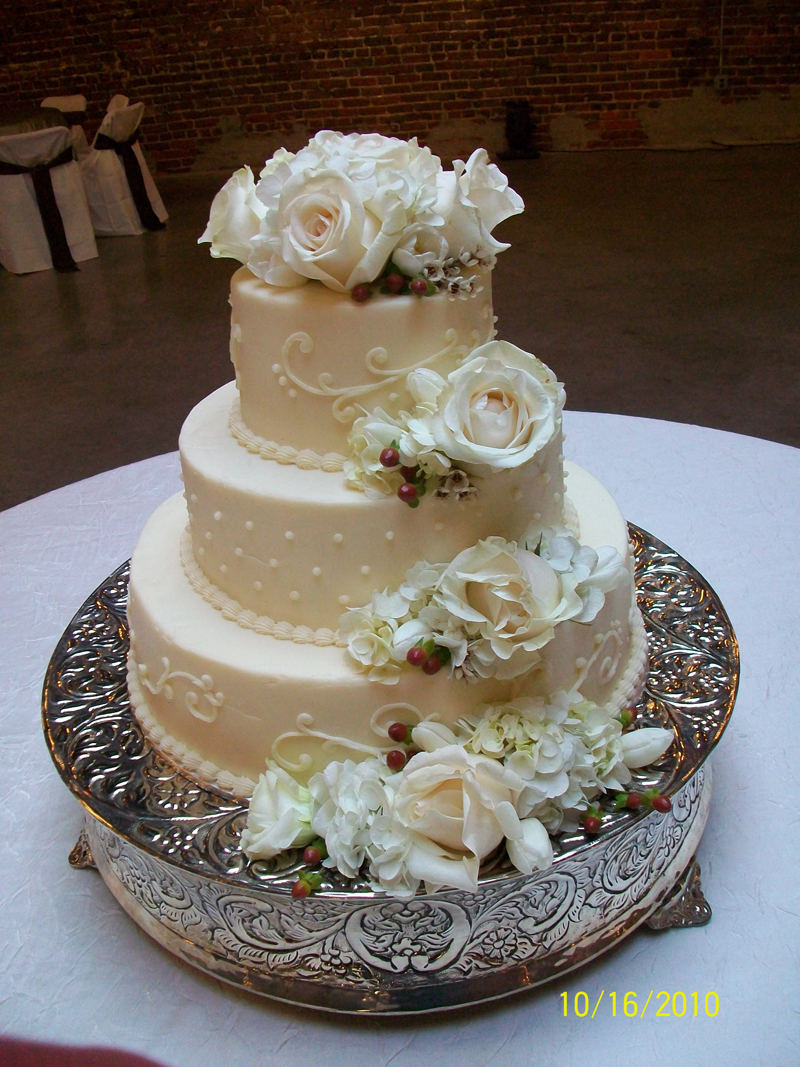 Pics Of Wedding Cakes With Cupcakes